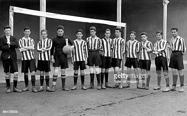Football junior team in Bilbao 1925 Photo by Taller de Imagen /Cover/Getty Images