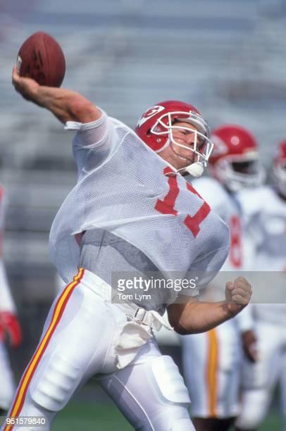 Kansas City Chiefs Dave Krieg passing during training camp at University of Wisconsin River Falls River Falls WI CREDIT Tom Lynn