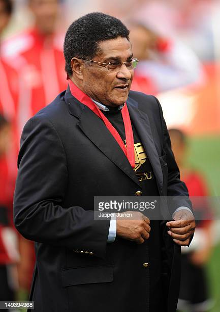 Football legend Eusebio looks on prior to the start of the Eusebio Cup match between Benfica and Real Madrid at Estadio da Luz on July 27 2012 in...
