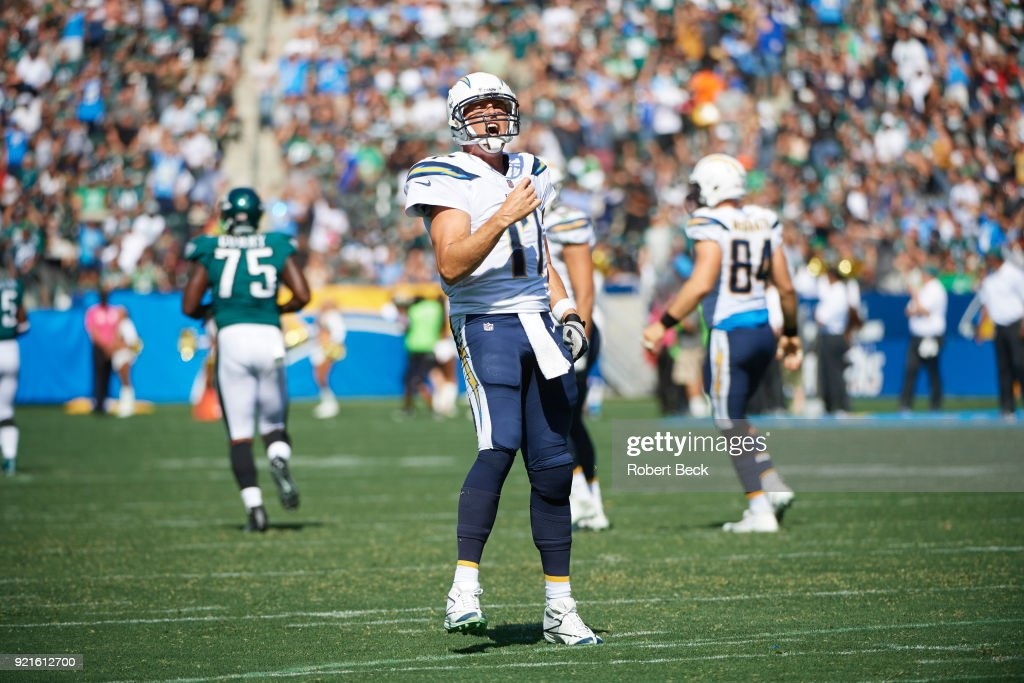 Los Angeles Chargers QB Philip Rivers (17) victorious after throwing 75 yard touchdown pass vs Philadelphia Eagles at StubHub Center. Robert Beck TK1 )
