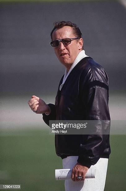 Los Angeles Raiders owner Al Davis on sidelines during game vs Seattle Seahawks at Los Angeles Memorial Coliseum Los Angeles CA CREDIT Andy Hayt