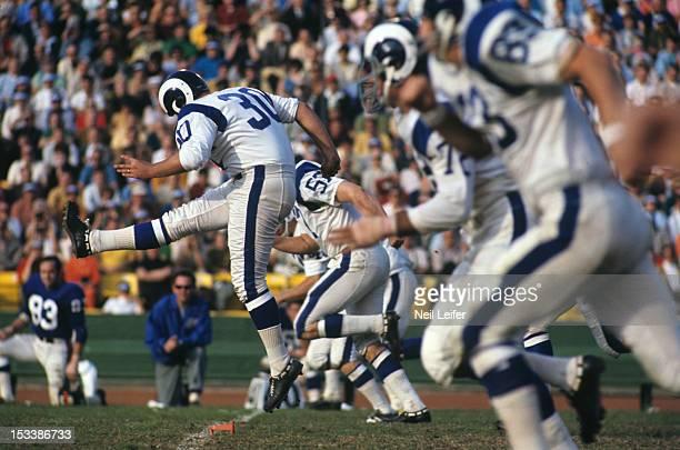 Los Angeles Rams Bruce Gossett in action kickoff vs New York Giants at Los Angeles Memorial Coliseum Los Angeles CA CREDIT Neil Leifer