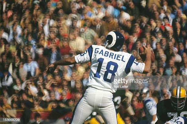Los Angeles Rams QB Roman Gabriel in action, pass vs Green Bay Packers at Lambeau Field. Green Bay, WI CREDIT: Neil Leifer
