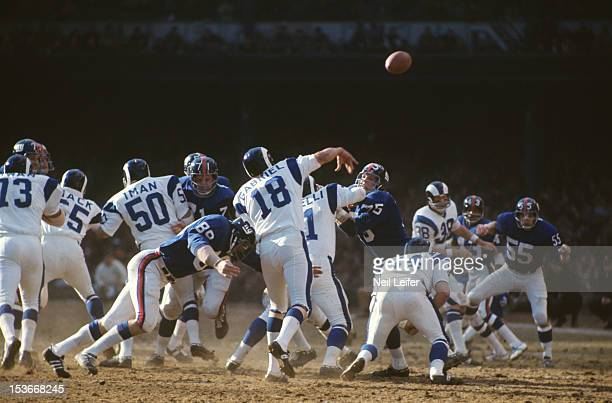 Los Angeles Rams QB Roman Gabriel in action, pass vs New York Giants at Yankee Stadium. Sequence. Bronx, NY CREDIT: Neil Leifer