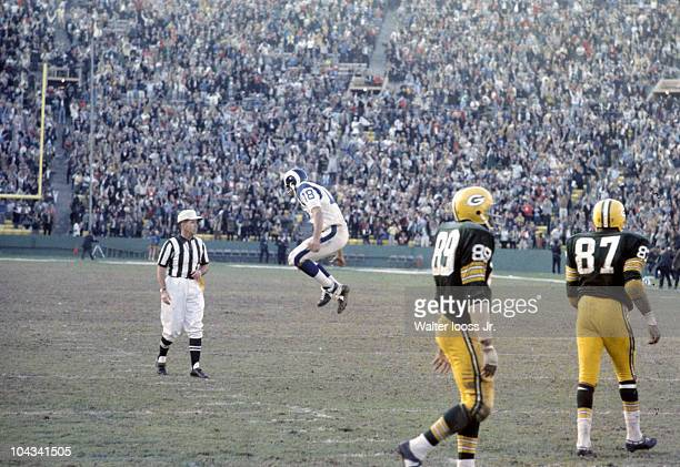 Los Angeles Rams QB Roman Gabriel upset during game with referee during game vs Green Bay Packers. Los Angeles, CA 12/9/1967 CREDIT: Walter Iooss Jr.