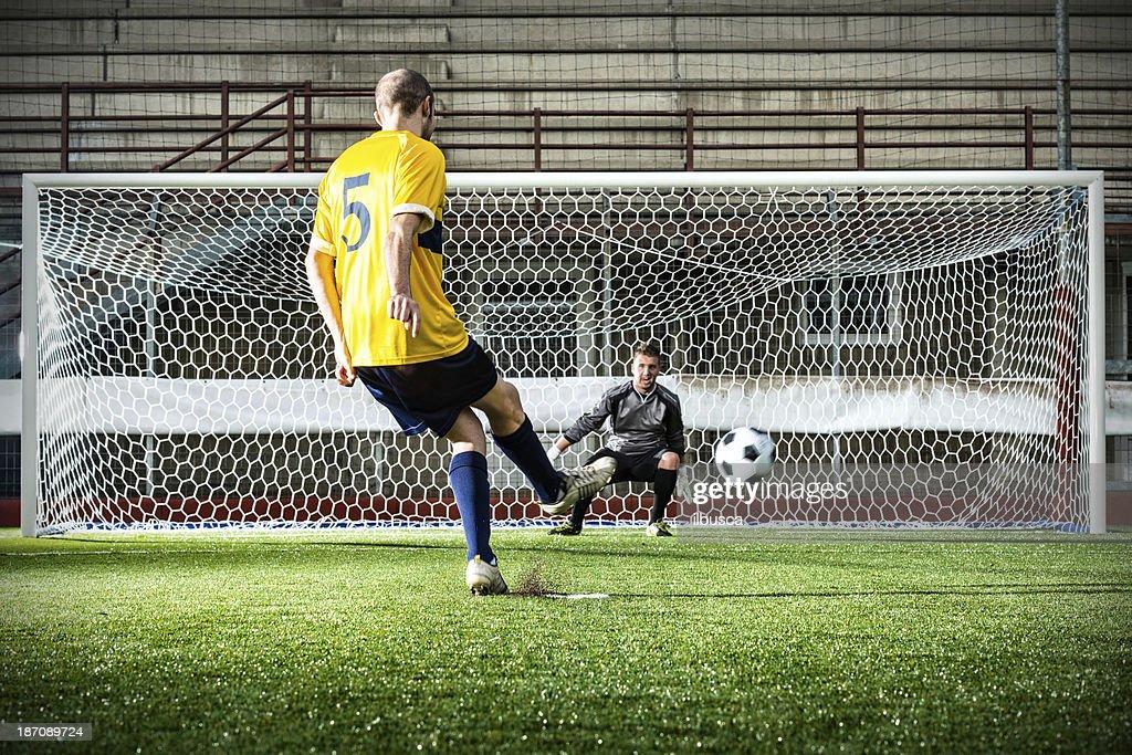 match de Football au stadium: Penalty : Photo