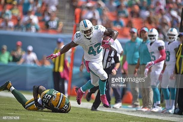 Miami Dolphins Charles Clay in action vs Green Bay Packers at Sun Life Stadium Miami Gardens FL CREDIT Bill Frakes