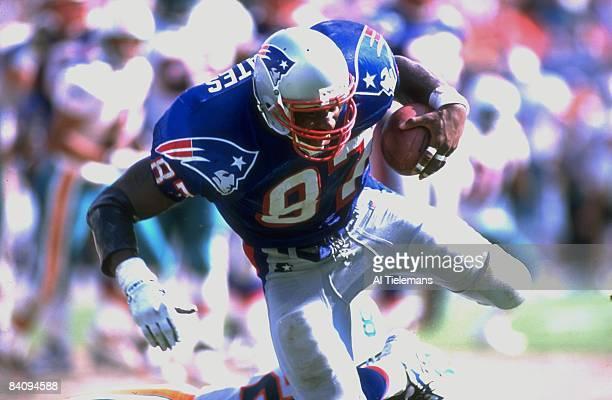 New England Patriots Ben Coates in action alone vs Miami Dolphins Miami FL 9/1/1996 CREDIT Al Tielemans Photo by Al Tielemans /Sports...