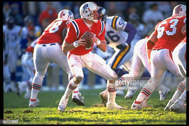 New England Patriots QB Hugh Millen in action vs Minn Vikings