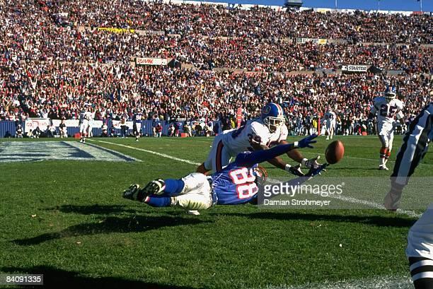 New England Patriots Terry Glenn in action attempting catch vs Denver Broncos Ray Crockett Foxboro MA CREDIT Damian Strohmeyer