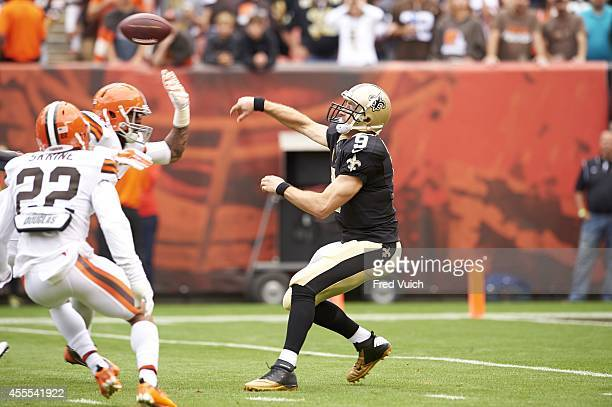 New Orleans Saints QB Drew Brees in action making pass under pressure vs Cleveland Browns at FirstEnergy Stadium Cleveland OH CREDIT Fred Vuich