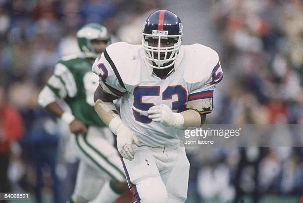 New York Giants Harry Carson during game vs Philadelphia Eagles Philadelphia PA CREDIT John Iacono