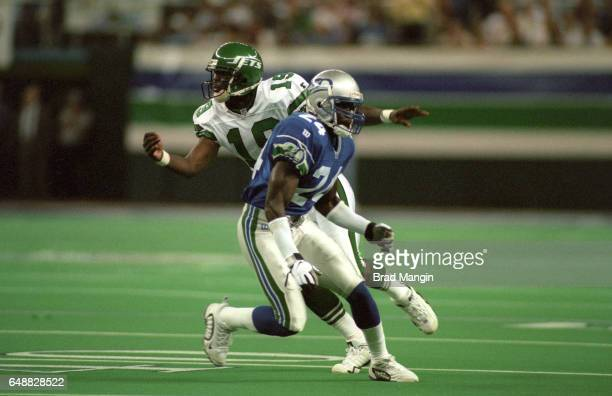 New York Jets Keyshawn Johnson in action vs Seattle Seahawks Shawn Springs at Kingdome Seattle WA CREDIT Brad Mangin