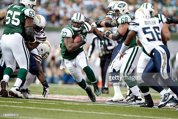 New York Jets Shonn Greene in action, rushing vs San Diego Chargers at MetLife Stadium. East Rutherford, NJ CREDIT: Simon Bruty