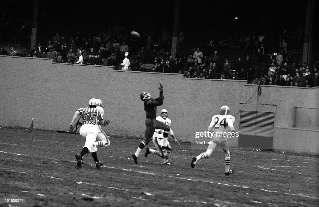 New York Titans vs Houston Oilers : News Photo