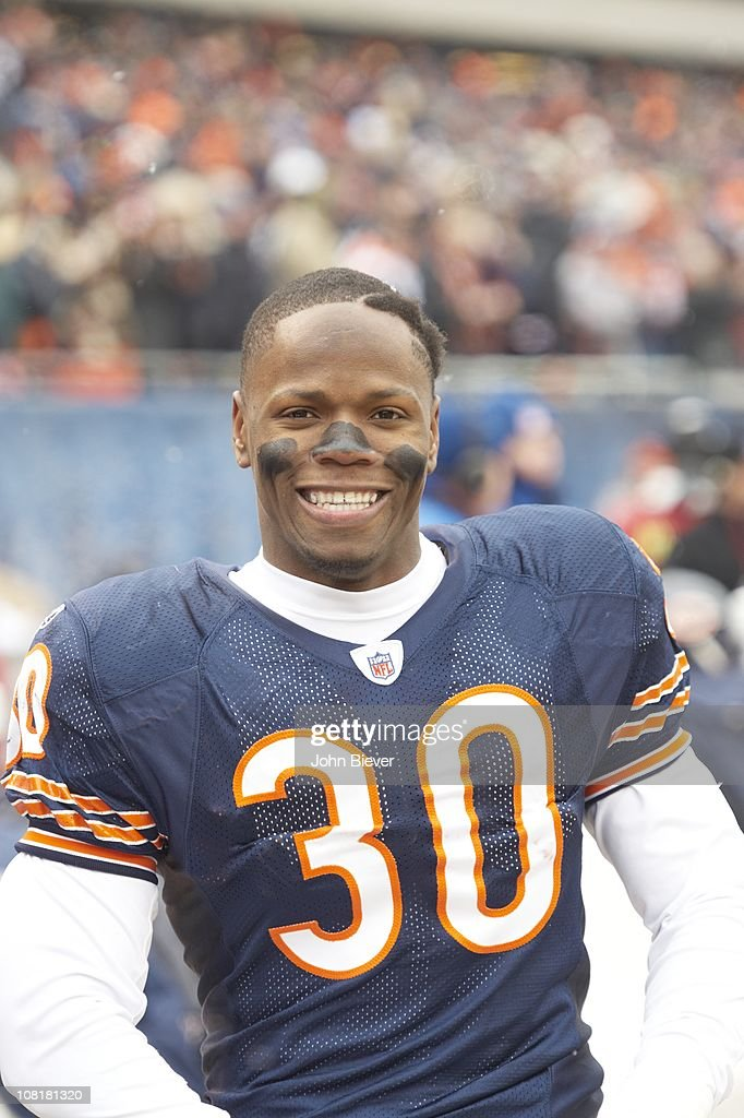 100% authentic aaa06 a6269 Closeup portrait of Chicago Bears C.J. Moore during game vs ...