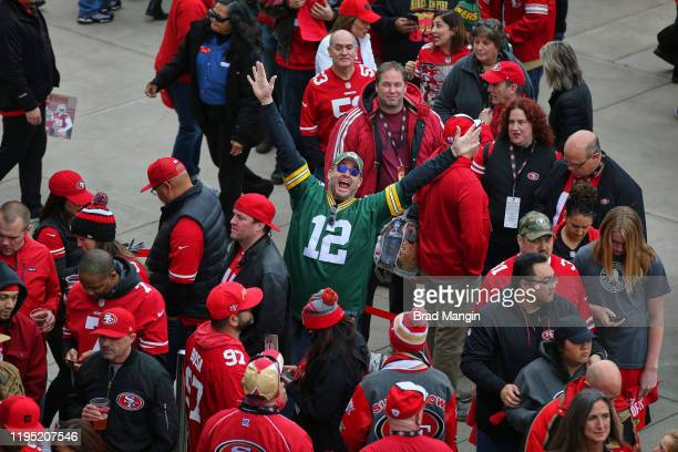 NFC Playoffs Aerial view of San Francisco 49ers and Green Bay Packers fans preparing to enter Levi's Stadium before game Santa Clara CA CREDIT Brad...