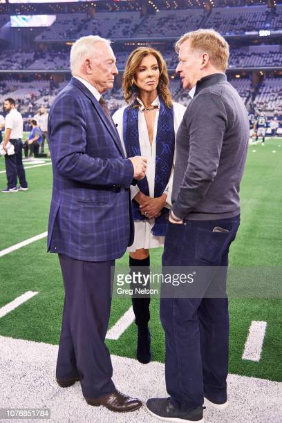NFC Playoffs Closeup of Dallas Cowboys executive vice president Charlotte JonesAnderson with father and Cowboys owner Jerry Jones and NFL...