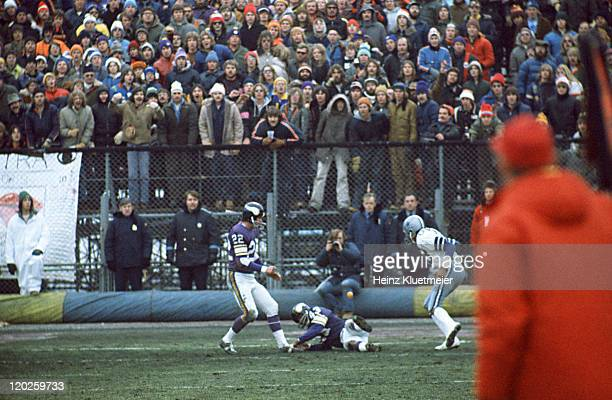 NFC Playoffs Dallas Cowboys Drew Pearson in action making catch vs Minnesota Vikings Nate Wright at Metropolitan Stadium Pearson caught the ball for...