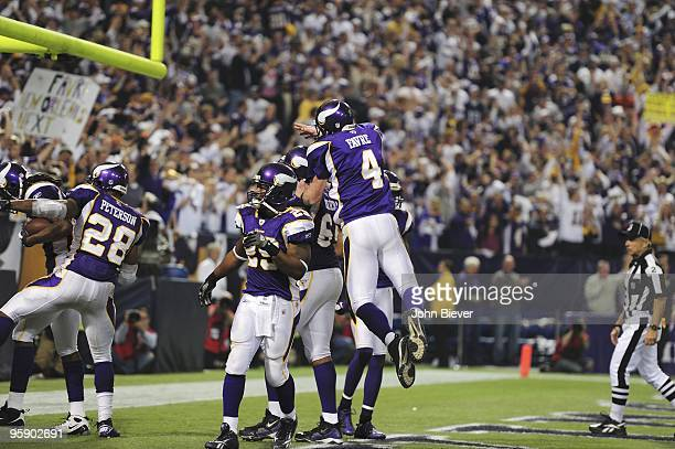 NFC Playoffs Minnesota Vikings QB Brett Favre and Adrian Peterson victorious vs Dallas Cowboys Minneapolis MN 1/17/2010 CREDIT John Biever