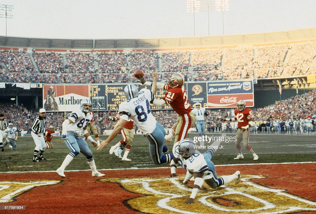 NFC Playoffs San Francisco 49ers Eric Wright in action breaking up a pass while on defense vs Dallas Cowboys Doug Cosbie during 4th quarter at...