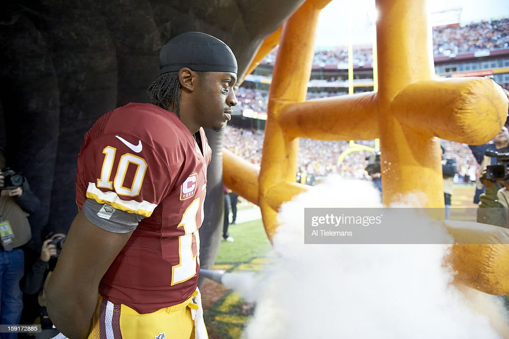 Washington Redskins QB Robert Griffin III (10) in tunnel during player introductions before game vs Seattle Seahawks at FedEx Field. Al Tielemans F28 )