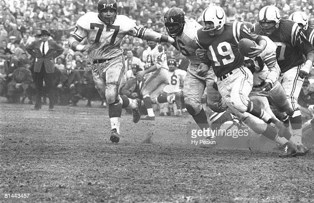 Football NFL championship Baltimore Colts QB Johnny Unitas in action vs New York Giants Baltimore MD
