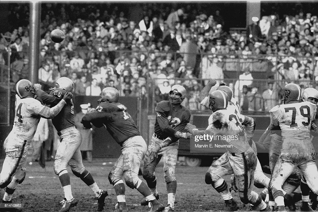 Detroit Lions QB Tobin Rote, 1957 NFL Championship : News Photo