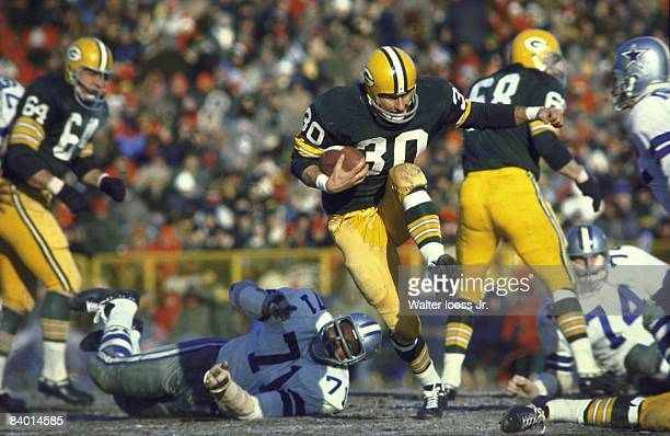 NFL Championship Green Bay Packers Chuck Mercein in action rushing vs Dallas Cowboys Ice Bowl Cover Green Bay WI CREDIT Walter Iooss Jr