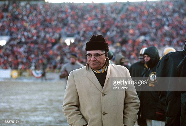NFL Championship Green Bay Packers head coach Vince Lombardi during Ice Bowl game vs Dallas Cowboys at Lambeau Field The official temperature at game...