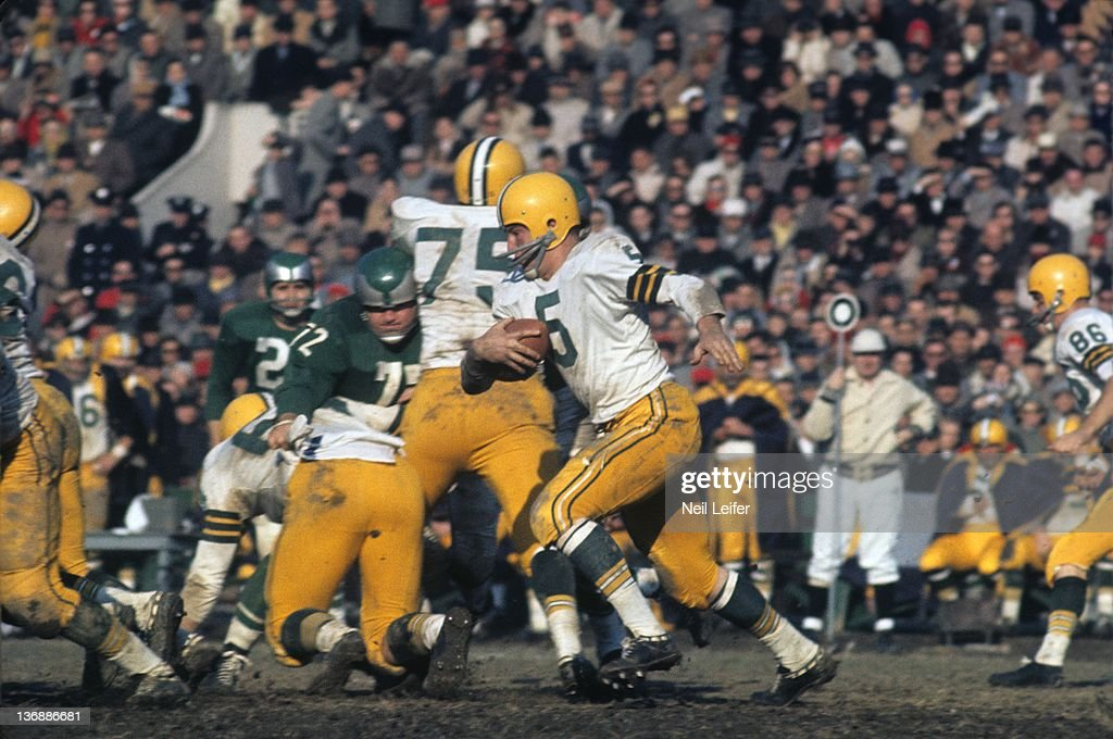 NFL Championship: Green Bay Packers Paul Hornung (5) in action vs Philadelphia Eagles at Franklin Field. Philadelphia, PA
