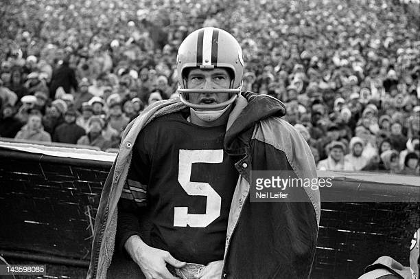NFL Championship Green Bay Packers Paul Hornung on sidelines during game vs New York Giants at City Stadium Green Bay WI CREDIT Neil Leifer