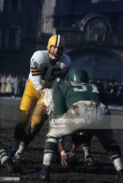 NFL Championship Green Bay Packers QB Bart Starr in action before snap vs Philadelphia Eagles at Franklin Field Philadelphia PA CREDIT Neil Leifer