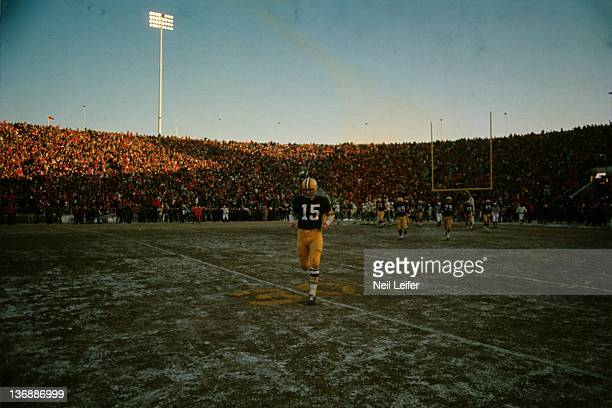 Football NFL Championship Green Bay Packers QB Bart Starr on field before Ice Bowl game vs Dallas Cowboys at Lambeau Field The official temperature...