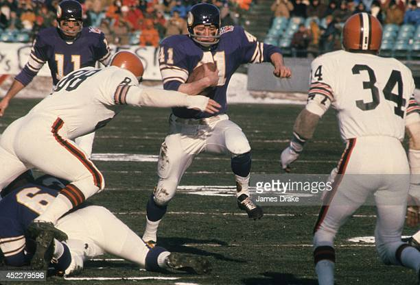 NFL Championship Minnesota Vikings Dave Osborn in action rushing vs Cleveland Browns at Metropolitan Stadium Bloomington MN CREDIT James Drake