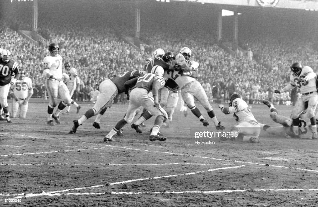 NFL championship, New York Giants Alex Webster (29) in action vs Baltimore Colts, Baltimore, MD