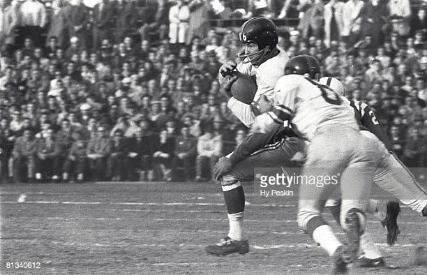 Football NFL championship New York Giants Frank Gifford in action rushing vs Baltimore Colts Baltimore MD