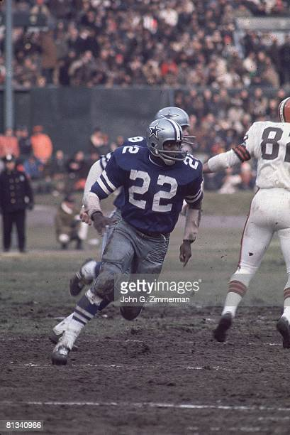 Football NFL playoffs Dallas Cowboys Bullet Bob Hayes in action vs Cleveland Browns Cleveland OH
