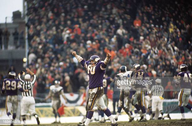NFL Playoffs Minnesota Vikings Roy Winston victorious during game vs Los Angeles Rams at Metropolitan Stadium Bloomington MN CREDIT Neil Leifer