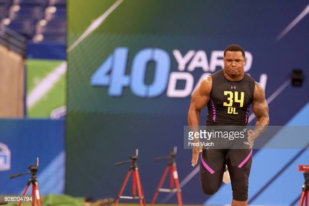 NFL Scouting Combine Da'Shawn Hand in action during 40yard dash drill at Lucas Oil Stadium Indianapolis IN Fred Vuich