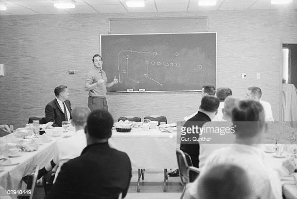 Oakland Raiders coach Al Davis during team meeting Oakland CA 9/17/1963 CREDIT Curt Gunther