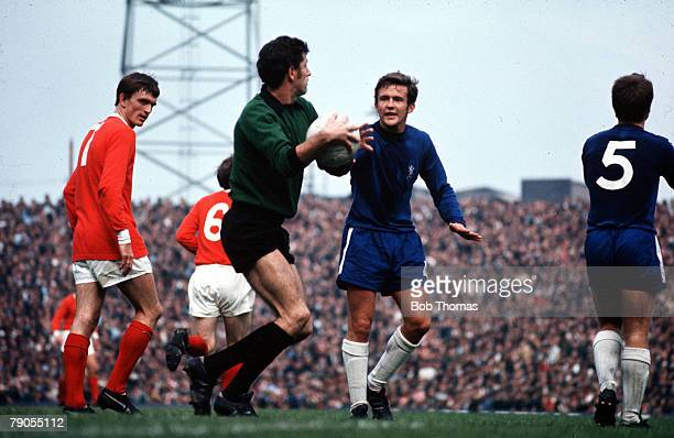 Football Old Trafford Manchester Manchester United v Chelsea Chelseas John Hollins and Peter Bonetti try to settle play down