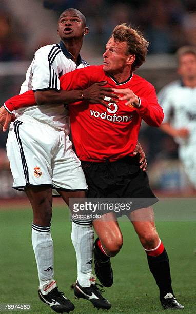 Football Opel Masters 2000 Tournament Munich Germany Real Madrid 0 v Manchester United 14th August 2000 Teddy Sheringham Manchester United in a...
