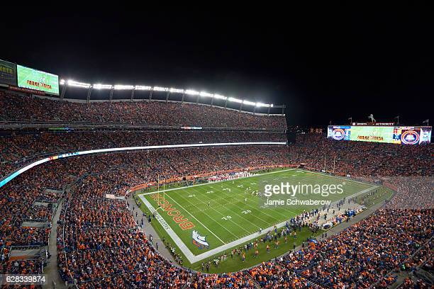 Overall view of Sports Authority Field at Mile High during Denver Broncos vs Kansas City Chiefs game Denver CO CREDIT Jamie Schwaberow
