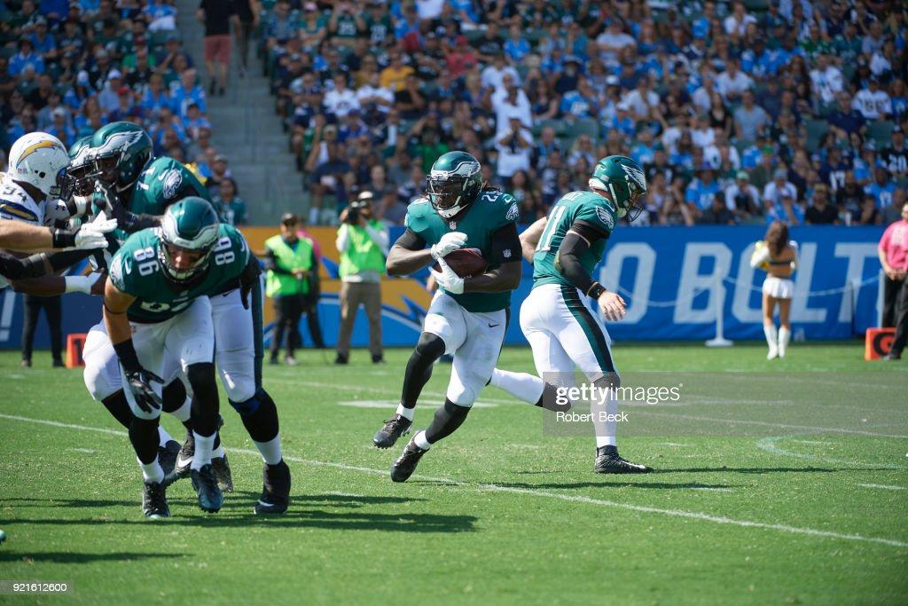 Philadelphia Eagles LeGarrette Blount (29) in action, rushing vs Los Angeles Chargers at StubHub Center. Robert Beck TK1 )