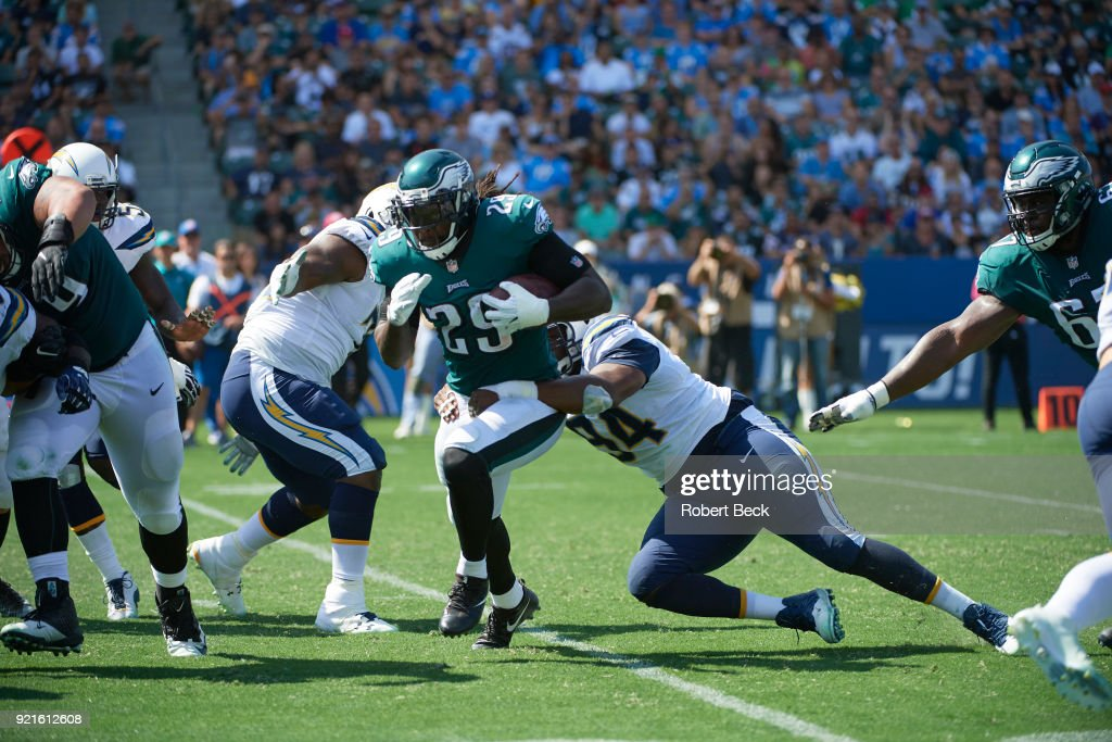 Philadelphia Eagles LeGarrette Blount (29) in action, rushing vs Los Angeles Chargers at StubHub Center. Robert Beck TK1 )