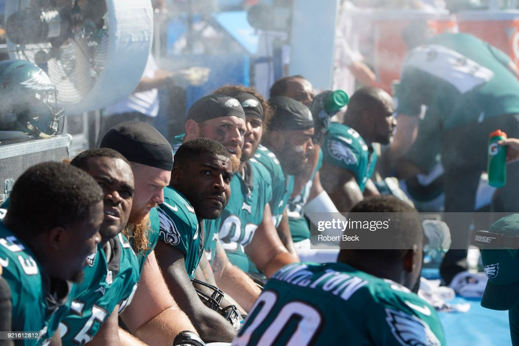 Philadelphia Eagles players on bench during game vs Los Angeles Chargers at StubHub Center. Robert Beck TK1 )