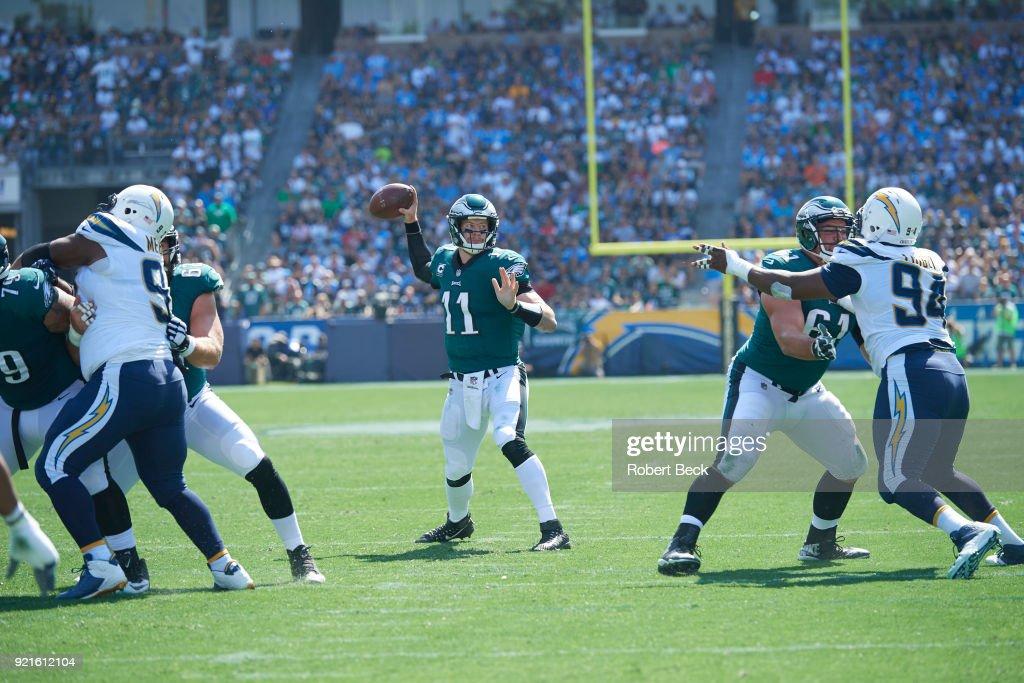 Philadelphia Eagles QB Carson Wentz (11) in action, passing vs Los Angeles Chargers at StubHub Center. Robert Beck TK1 )