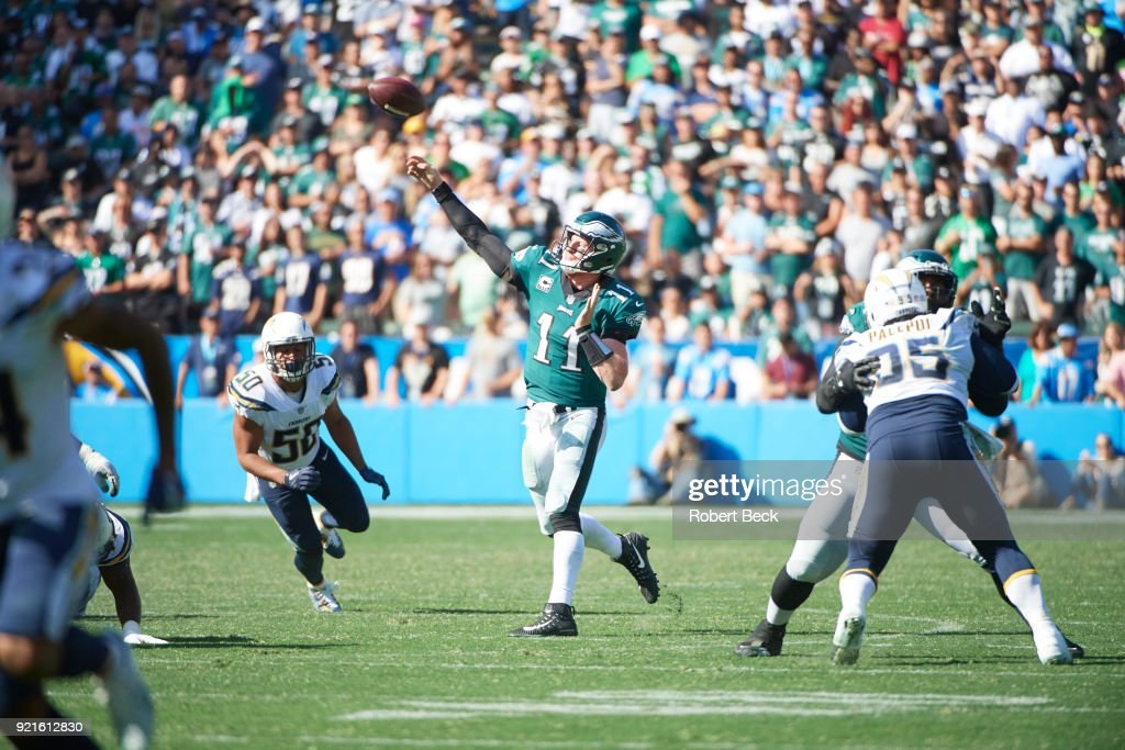 Philadelphia Eagles QB Carson Wentz (11) in action, passing vs Los Angeles Chargers at StubHub Center. Robert Beck TK1 )