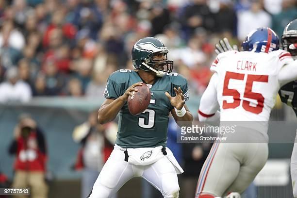 Philadelphia Eagles QB Donovan McNabb in action vs New York Giants. Philadelphia, PA 11/1/2009 CREDIT: Damian Strohmeyer